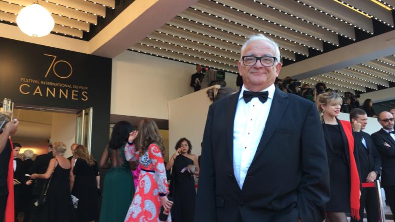 Cannes Claude en haut des marches