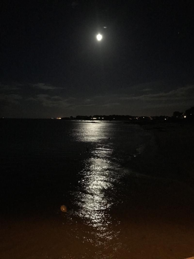 Clair de lune sur St. Pierre